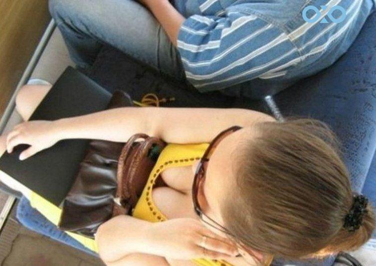 podglyadki-za-devushkami-v-transporte-foto